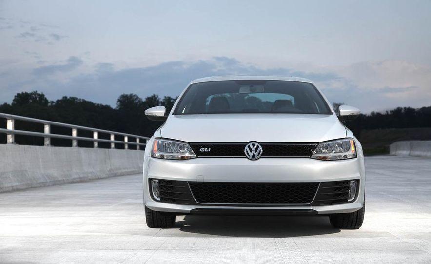 2012 Volkswagen Beetle - Slide 22