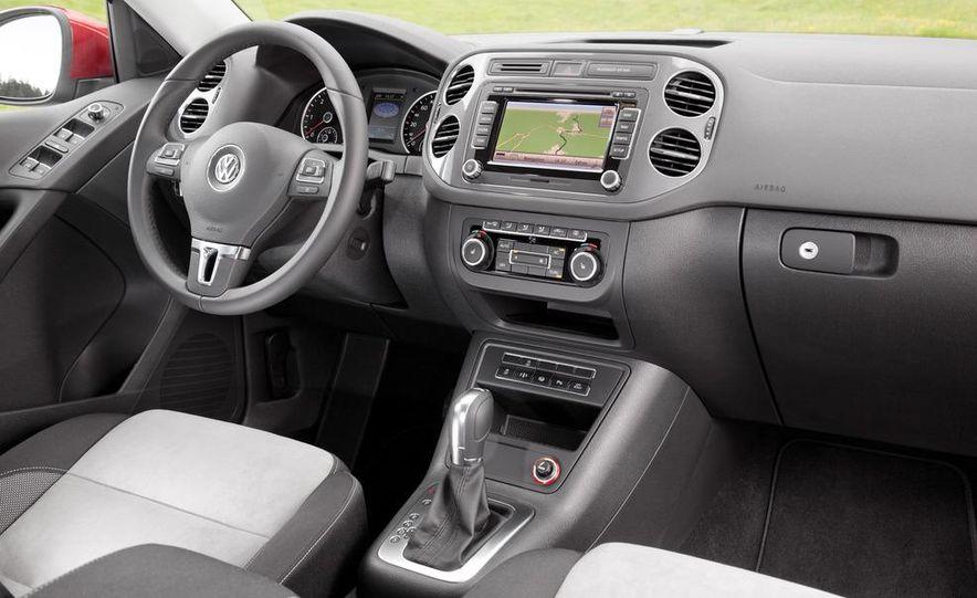 2012 Volkswagen Beetle - Slide 36