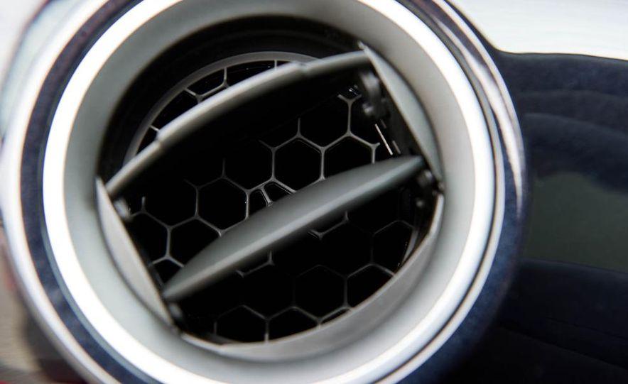 2013 Volkswagen Up! - Slide 29