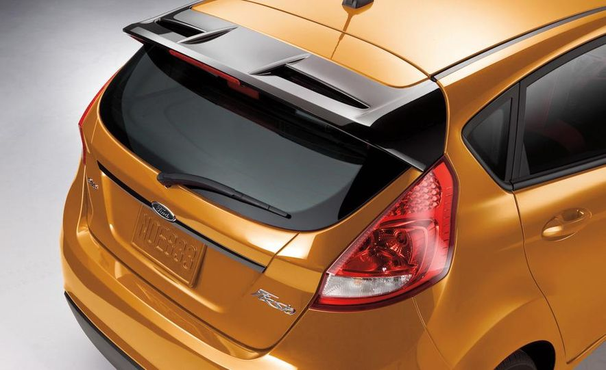 2012 Ford Focus ST (European spec) - Slide 24