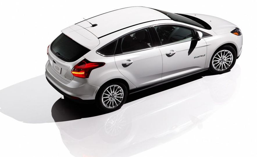 2012 Ford Focus ST (European spec) - Slide 9