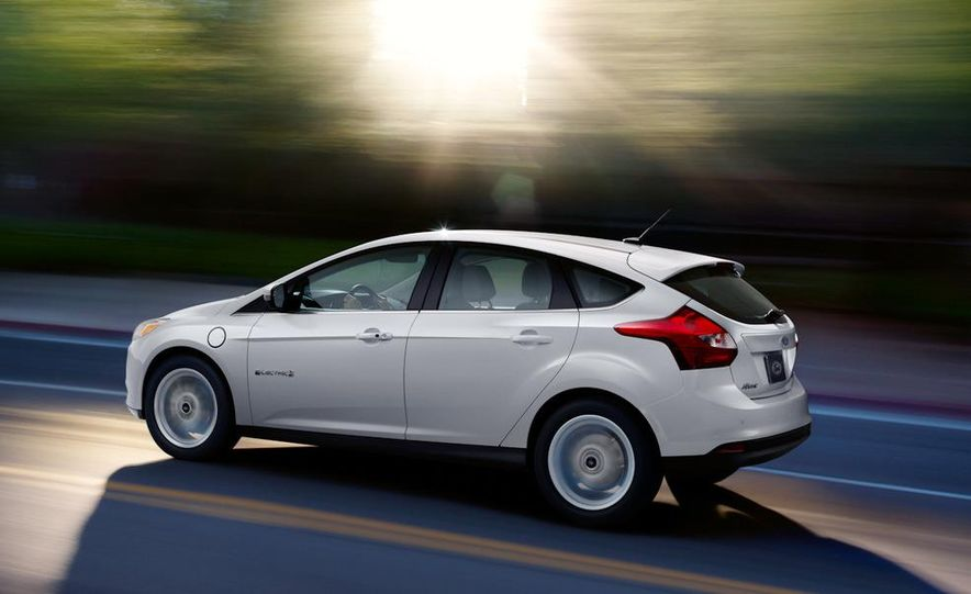 2012 Ford Focus ST (European spec) - Slide 11