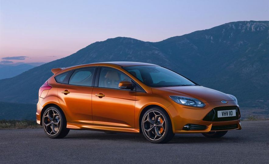2012 Ford Focus ST (European spec) - Slide 1