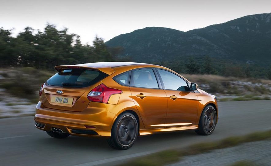 2012 Ford Focus ST (European spec) - Slide 4