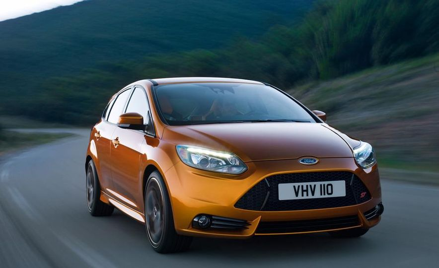 2012 Ford Focus ST (European spec) - Slide 5