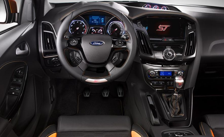 2012 Ford Focus ST (European spec) - Slide 6