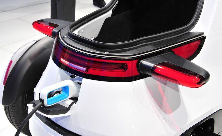 Volkswagen NILS concept - Slide 10