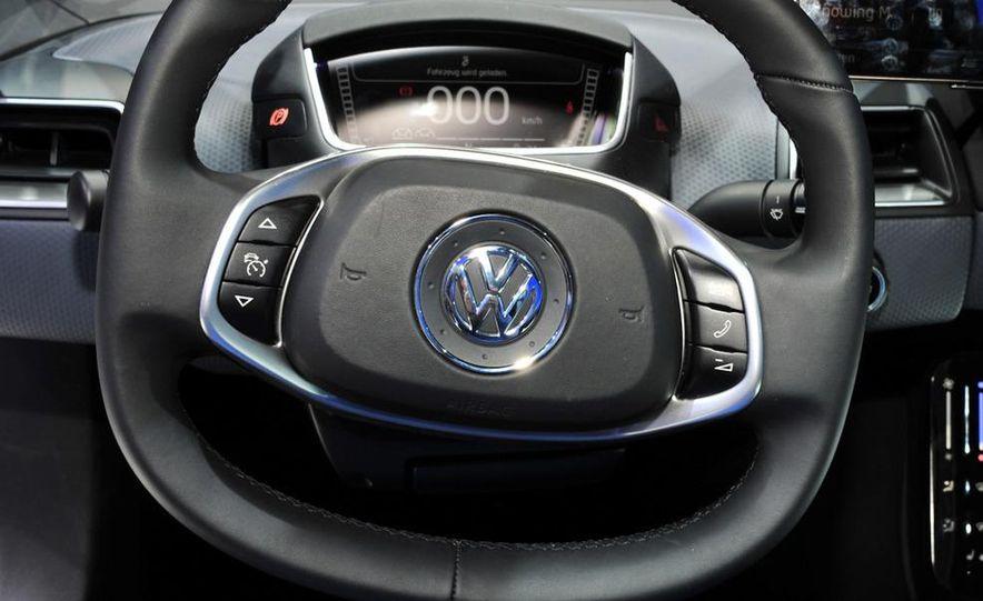Volkswagen NILS concept - Slide 17