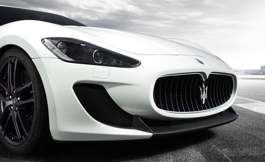 2012 Maserati GranTurismo MC - Slide 12