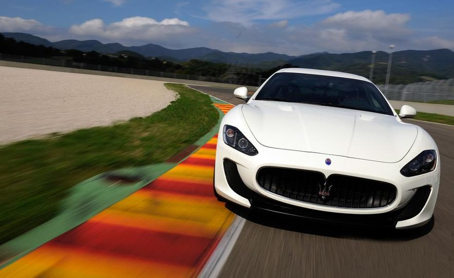 2012 Maserati GranTurismo MC - Slide 8