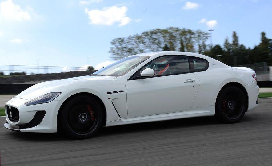 2012 Maserati GranTurismo MC - Slide 10