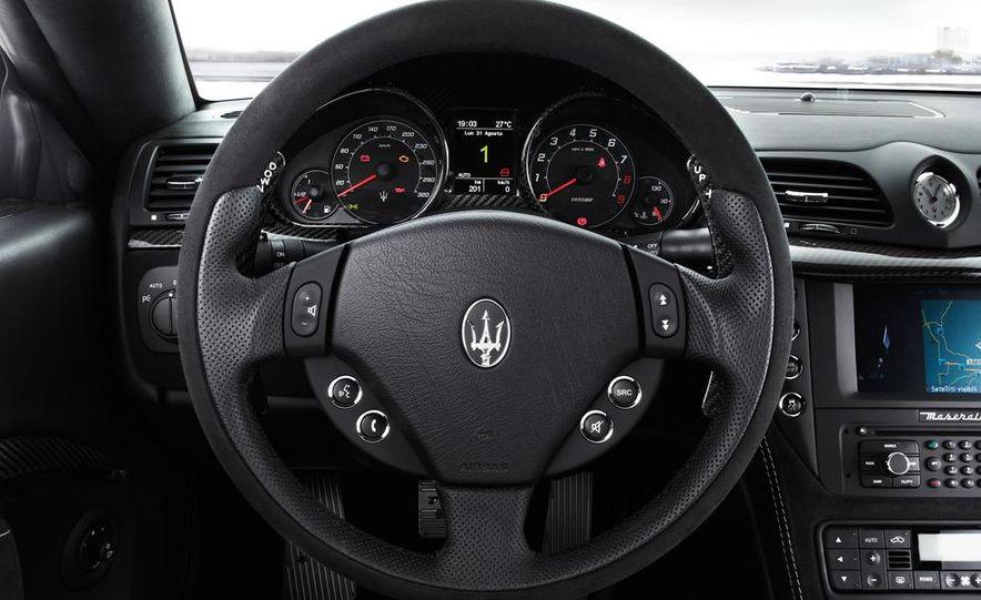 2012 Maserati GranTurismo MC - Slide 21
