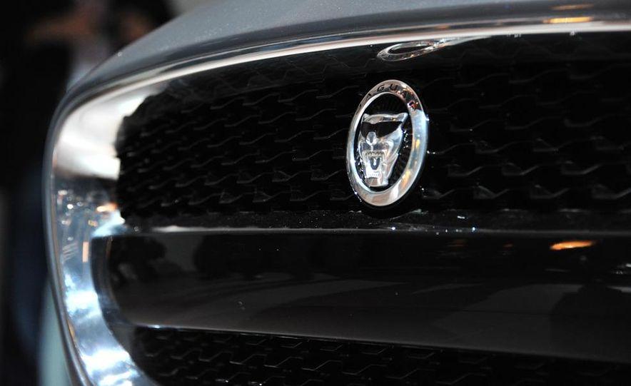 Jaguar CX-16 concept - Slide 31
