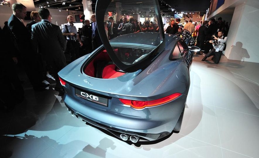 Jaguar CX-16 concept - Slide 23