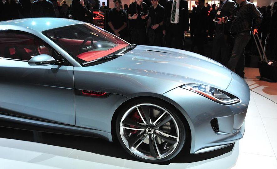 Jaguar CX-16 concept - Slide 26