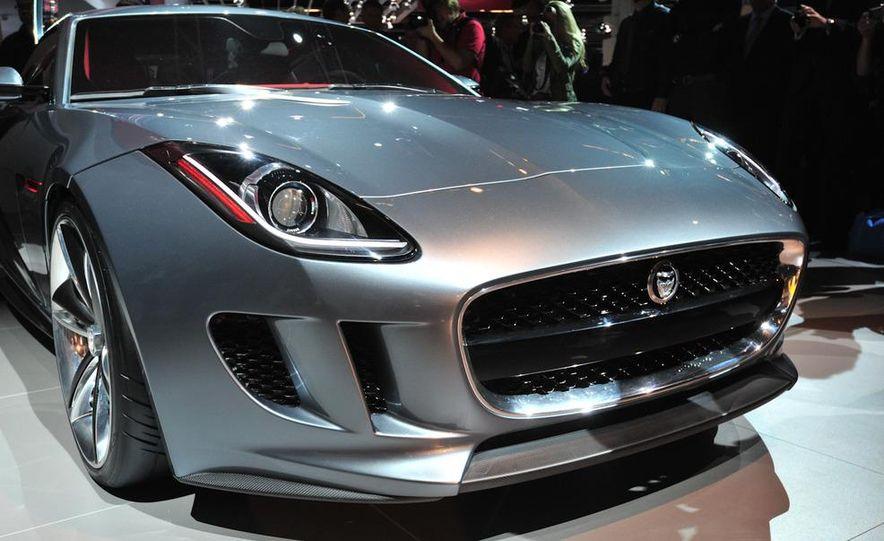 Jaguar CX-16 concept - Slide 10