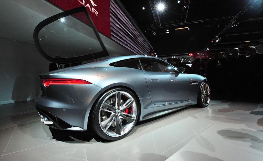 Jaguar CX-16 concept - Slide 24