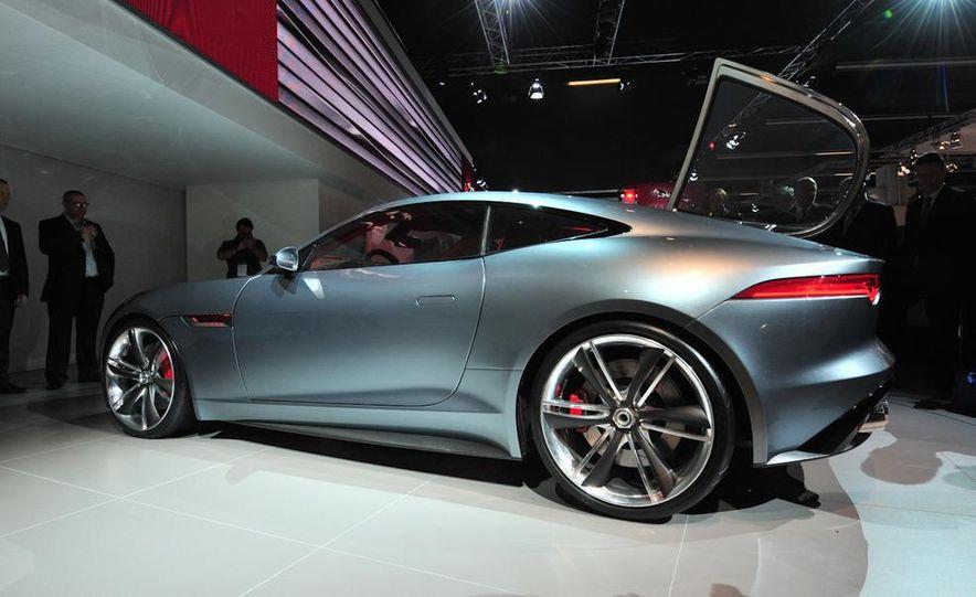 Jaguar CX-16 concept - Slide 16