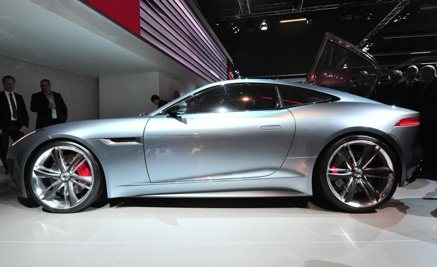 Jaguar CX-16 concept - Slide 17