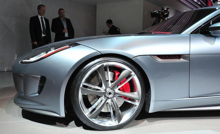 Jaguar CX-16 concept - Slide 20
