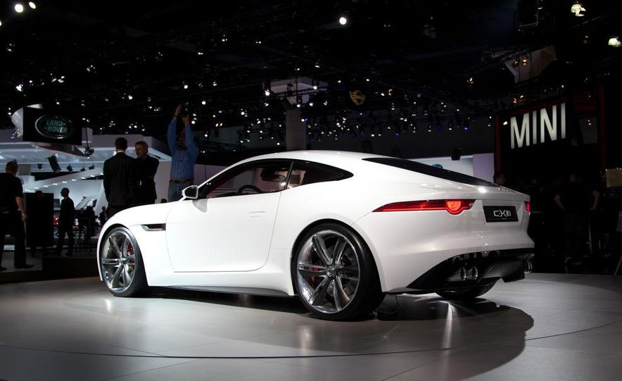 Jaguar CX-16 concept - Slide 2