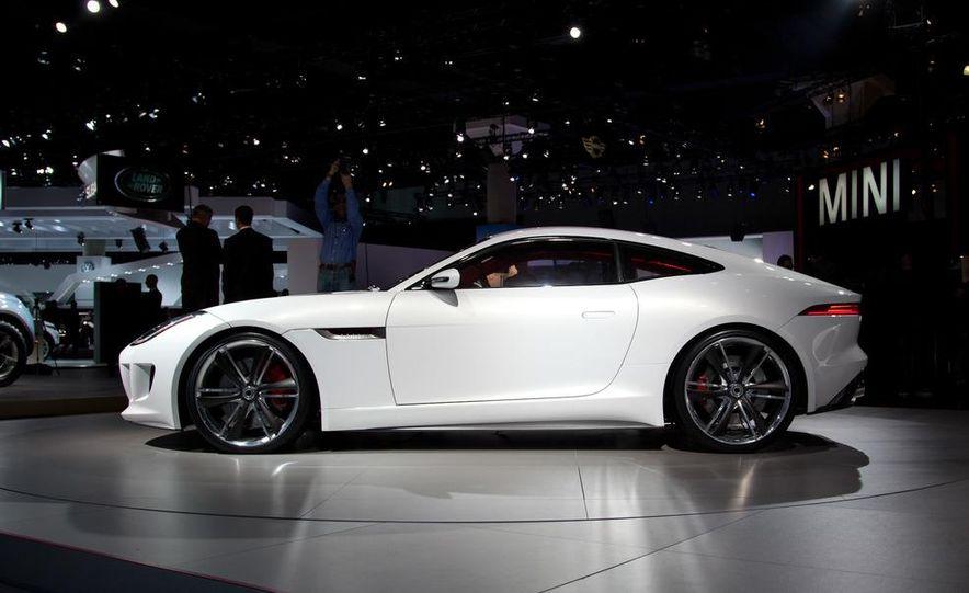 Jaguar CX-16 concept - Slide 4