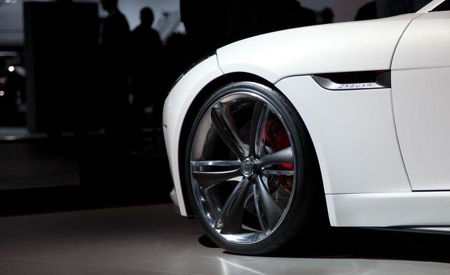 Jaguar CX-16 concept - Slide 7