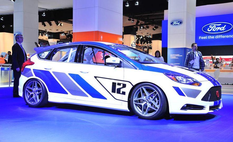 2012 Ford Focus ST-R - Slide 1