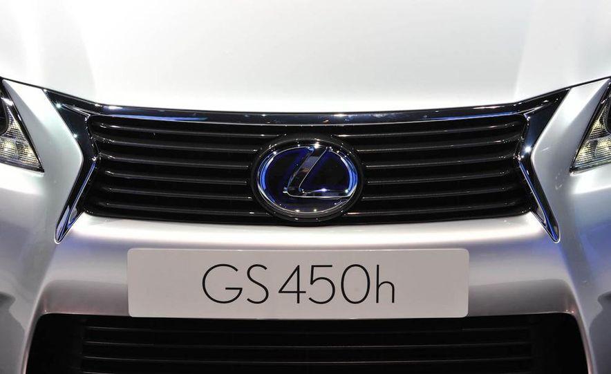 2013 Lexus GS450h - Slide 12