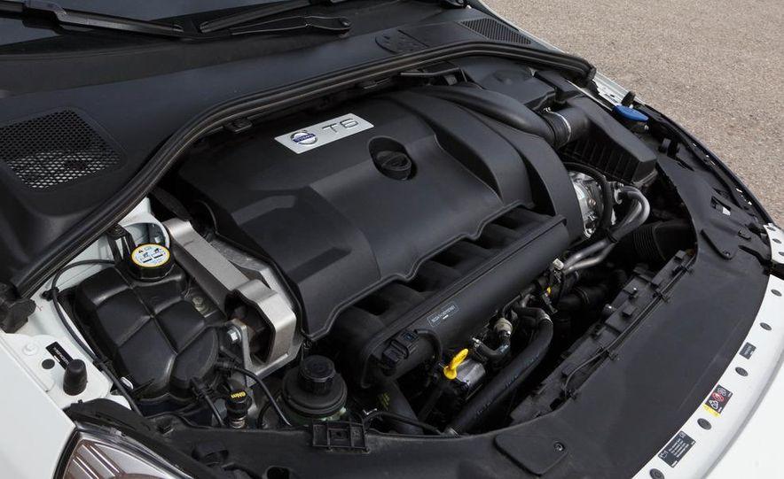 2012 Volvo S60 T6 AWD - Slide 42