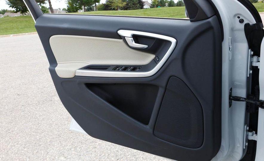 2012 Volvo S60 T6 AWD - Slide 37