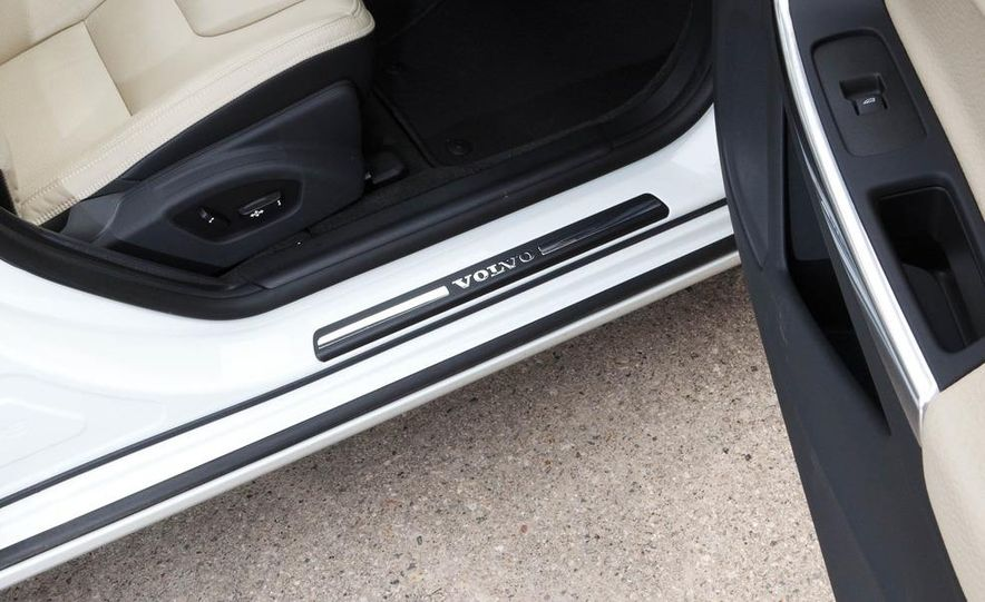2012 Volvo S60 T6 AWD - Slide 39