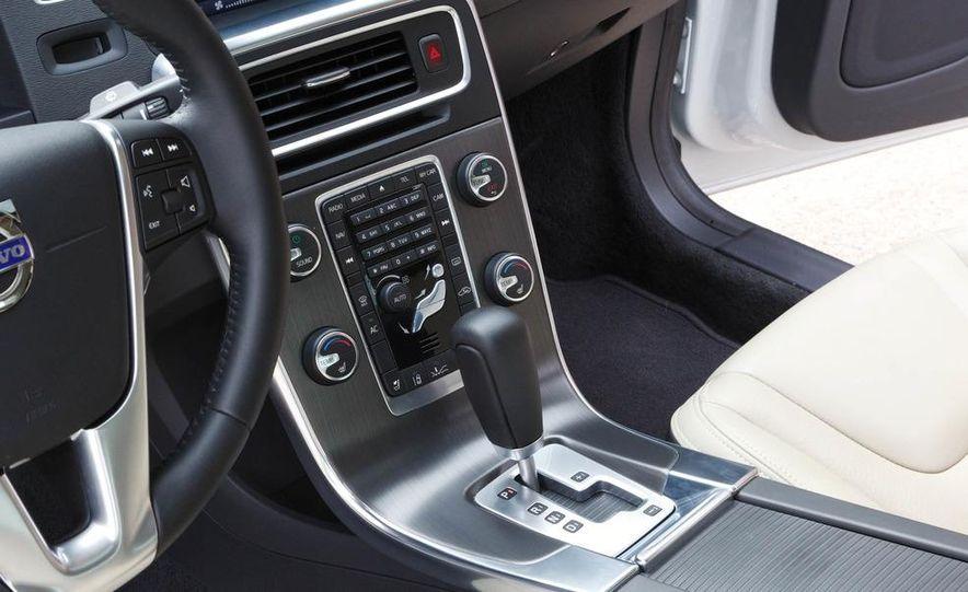 2012 Volvo S60 T6 AWD - Slide 21