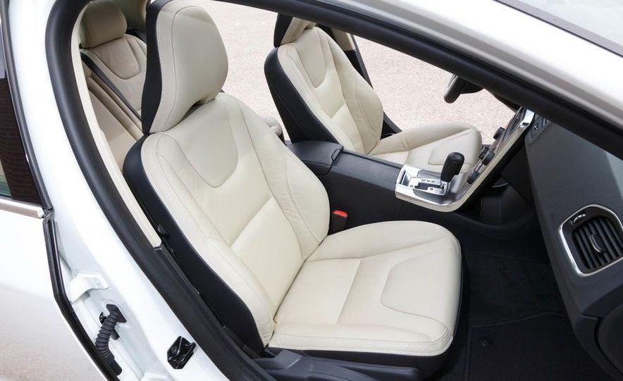 2012 Volvo S60 T6 AWD - Slide 33
