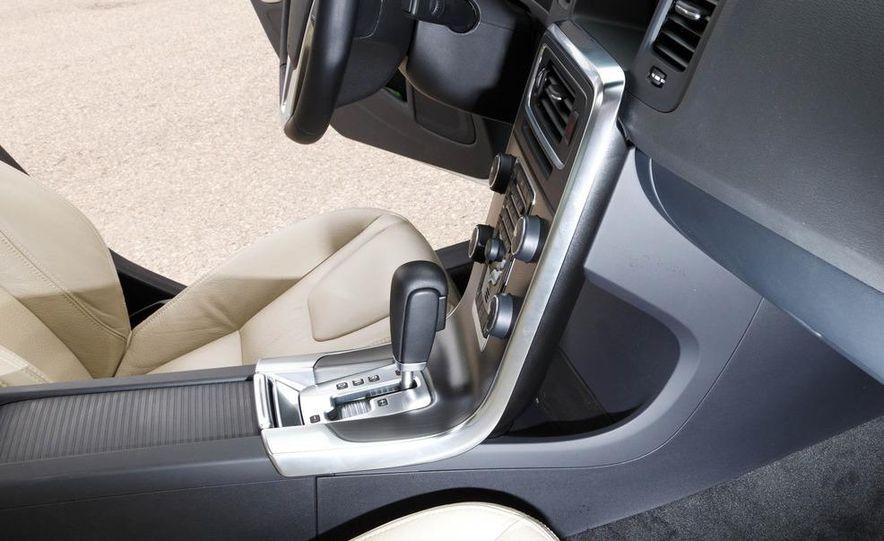 2012 Volvo S60 T6 AWD - Slide 34