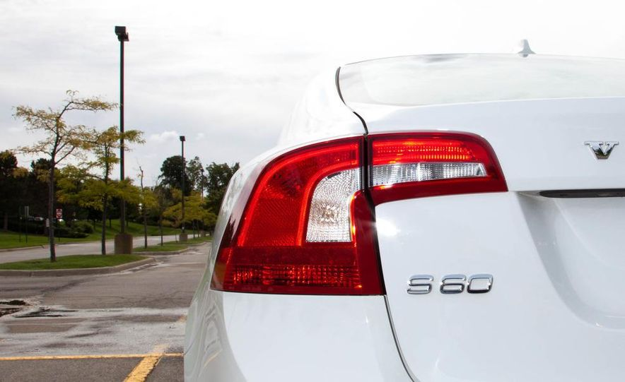 2012 Volvo S60 T6 AWD - Slide 14