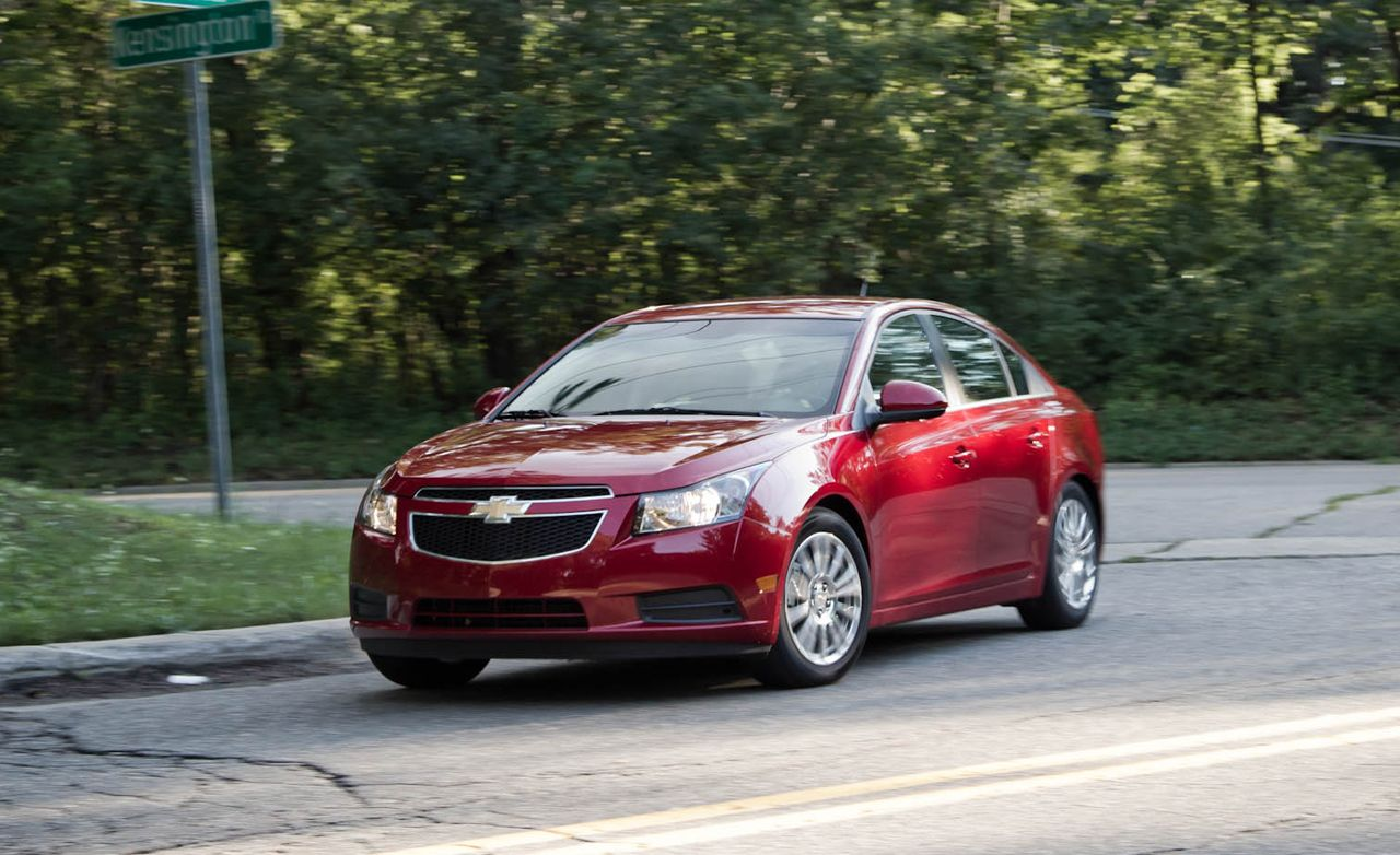 Cruze chevy cruze 2013 eco : 2011 Chevrolet Volt vs. 2011 Chevrolet Cruze Eco - Comparison Test ...
