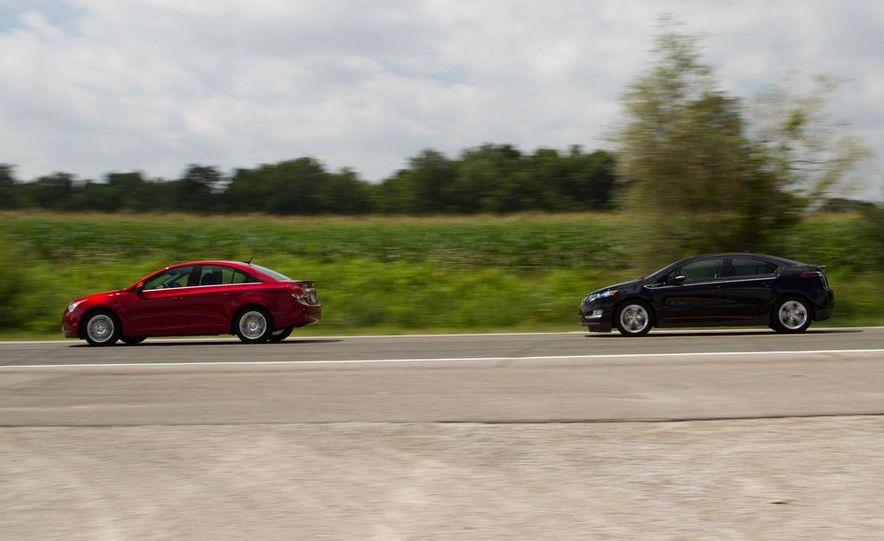 2011 Chevrolet Cruze Eco and Volt - Slide 1