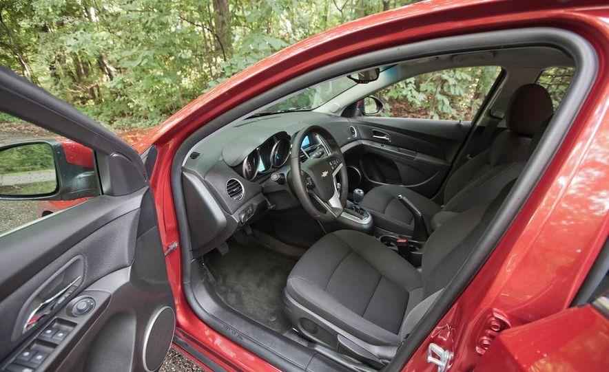 2011 Chevrolet Cruze Eco and Volt - Slide 11