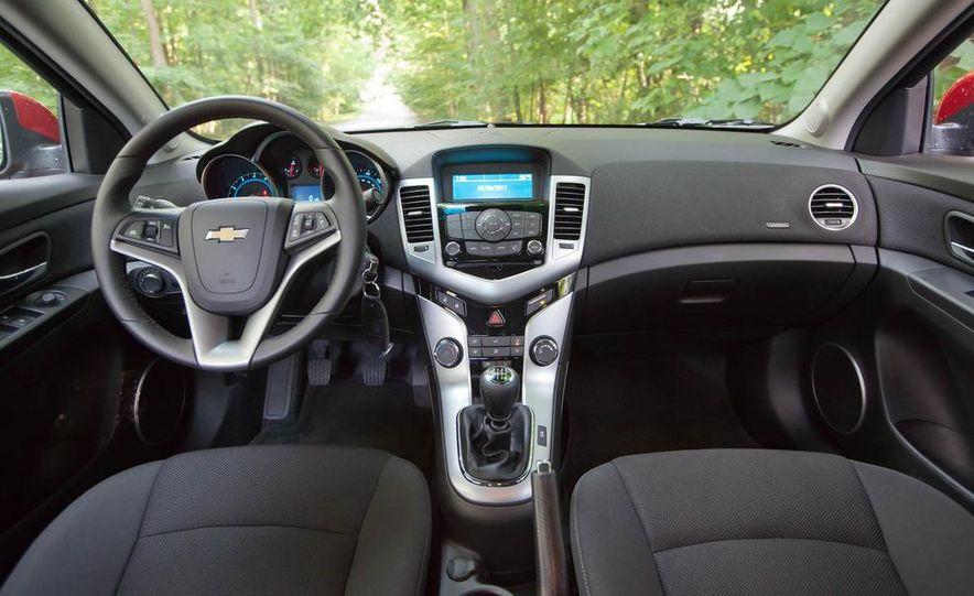 2011 Chevrolet Cruze Eco and Volt - Slide 13