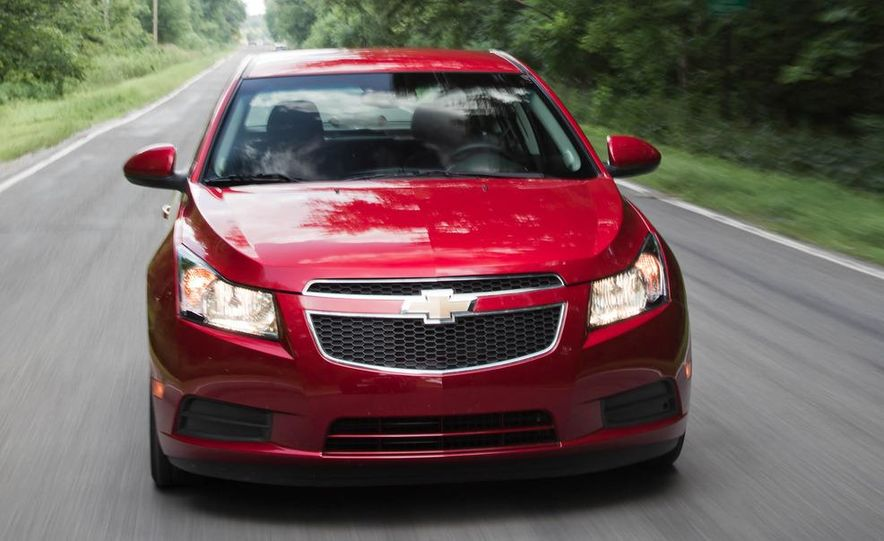2011 Chevrolet Cruze Eco and Volt - Slide 5