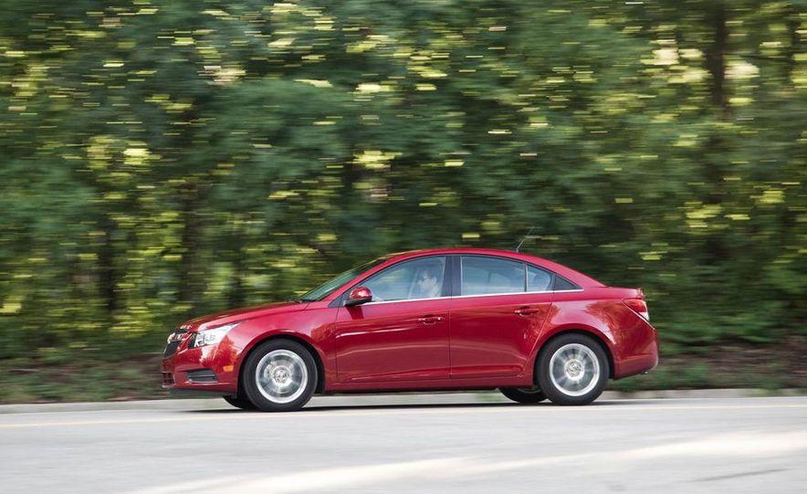 2011 Chevrolet Cruze Eco and Volt - Slide 7