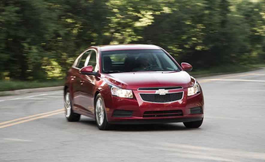2011 Chevrolet Cruze Eco and Volt - Slide 9