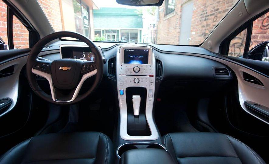 2011 Chevrolet Cruze Eco and Volt - Slide 32