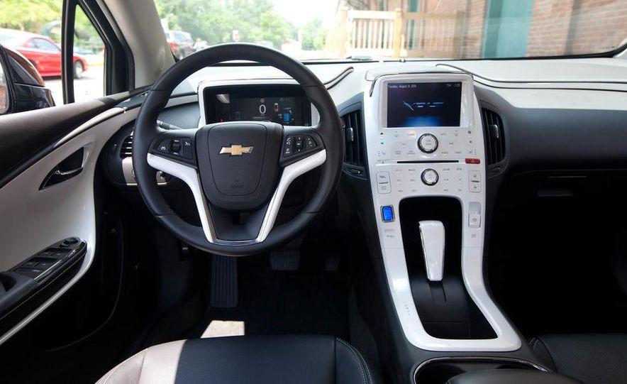 2011 Chevrolet Cruze Eco and Volt - Slide 33