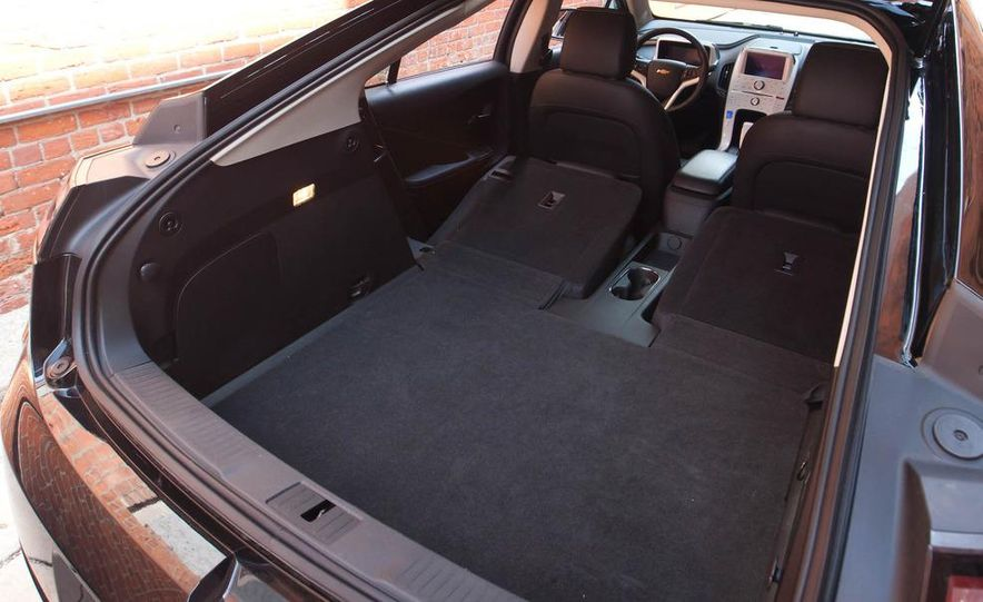 2011 Chevrolet Cruze Eco and Volt - Slide 34