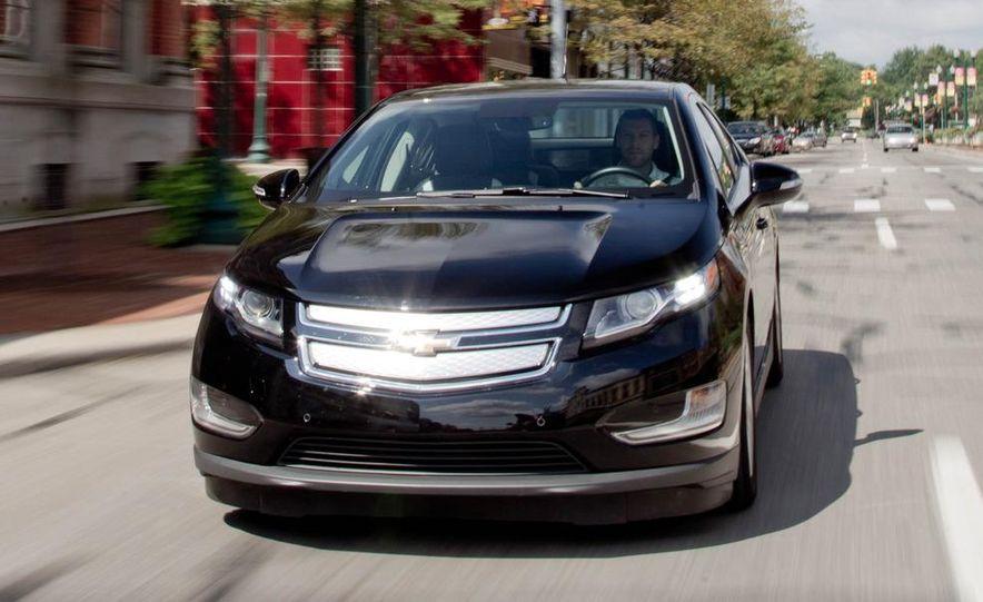 2011 Chevrolet Cruze Eco and Volt - Slide 19
