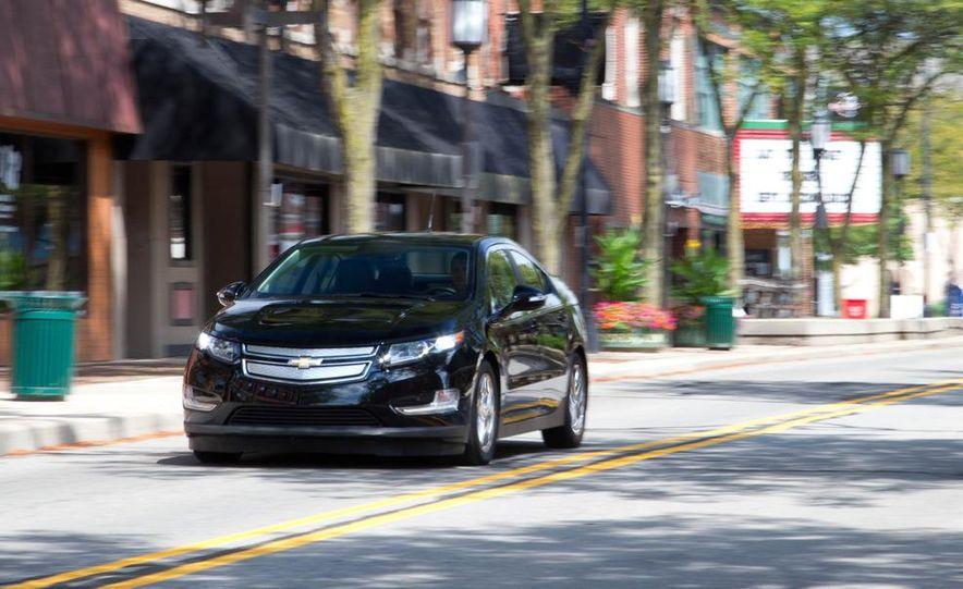 2011 Chevrolet Cruze Eco and Volt - Slide 26