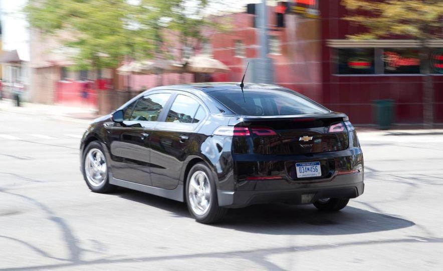 2011 Chevrolet Cruze Eco and Volt - Slide 27