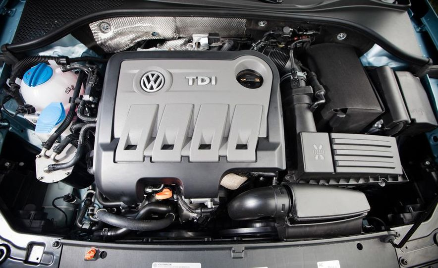 2012 Volkswagen Passat TDI SE - Slide 23